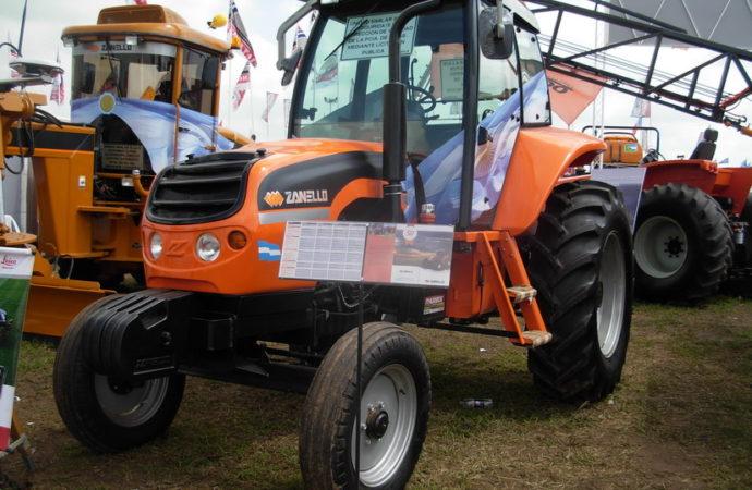 Zanello presentó una nueva línea de tractores convencionales