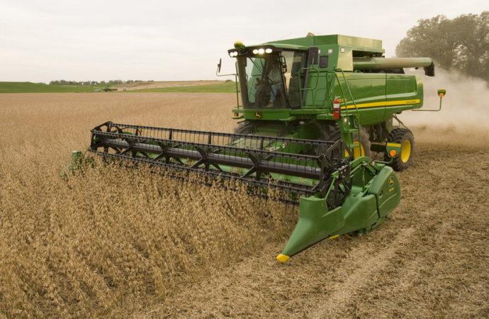JD presentó la primera cosechadora Serie 70 fabricada en la Argentina