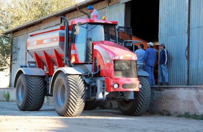 Nueva fertilizadora autopropulsada Fertec Fértil 1030 Serie 4