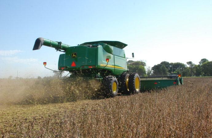 Créditos del Nación para tractores y cosechadoras nacionales de John Deere