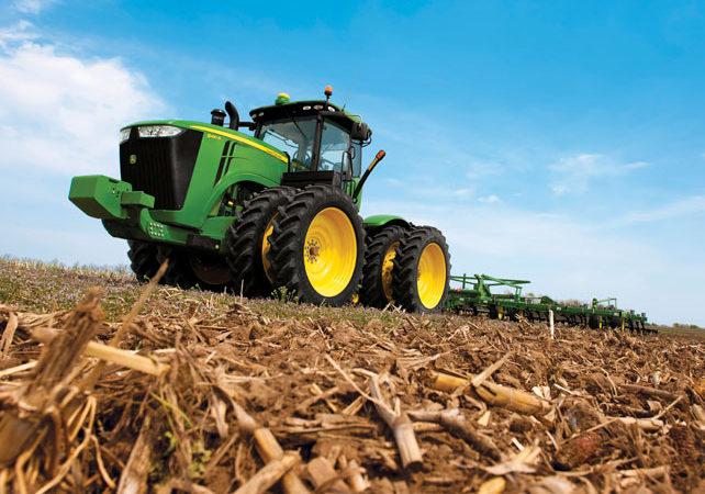 John Deere presentó en tractor articulado 9410R