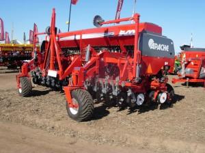 Sembradora Apache 54000