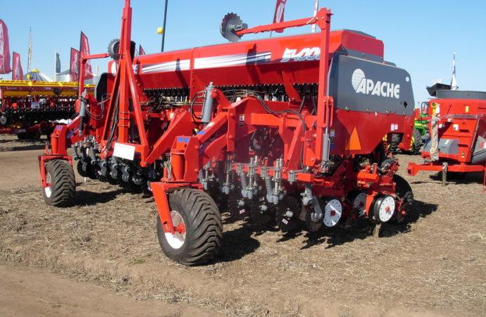 Nueva sembradora polifuncional Apache 54000
