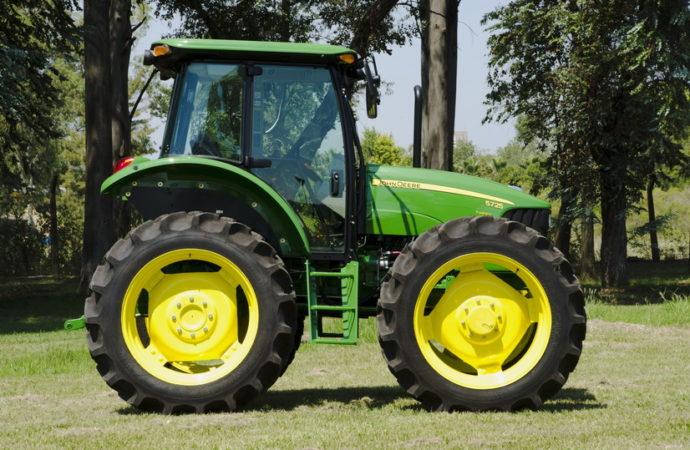 John Deere comenzó la producción local del tractor 5725 AD