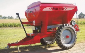 Fertilizadora Milfe 5100 MF
