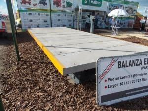Balanza para camiones con piso de losetas de hormigón de Básculas Magris