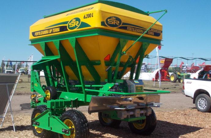 SR amplió la gama de fertilizadoras DP