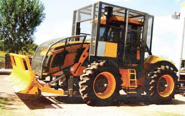 Cri-Mag ensambló tractores Pauny adaptados para trabajo silvopastoril