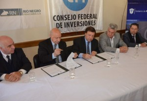 Firma fideicomiso Rio Negro