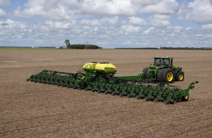 Curso para operarios de sembradoras y tractores
