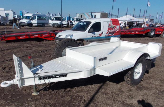 Mancini diseñó trailers homologados para circular en rutas