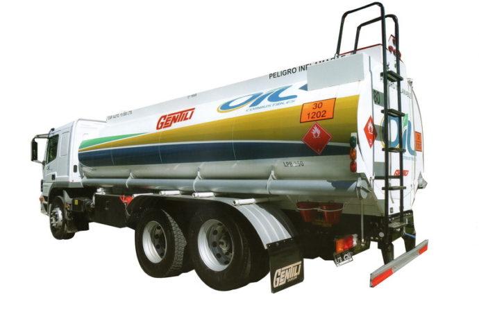 Gentili presentó cisternas de 10.000 a 20.000 litros