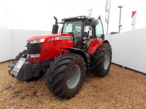 Tractor Massey Ferguson MF 7624
