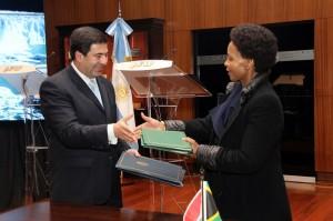 Acuerdo de cooperación Argentina y Sudáfrica