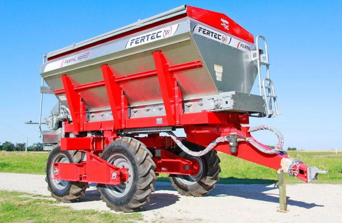 Fertec presentó la Serie 5 de sus fertilizadoras de arrastre