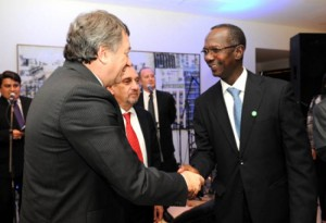 Ministro Yahuar y africano