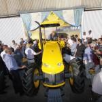 Presentacion del tractor Pauny 180A-1