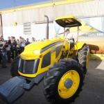 Presentacion del tractor Pauny 180A-4