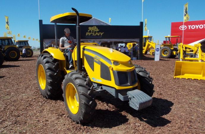 Pauny presentó su nuevo tractor 100% nacional