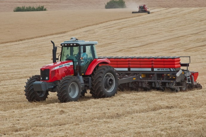 Tractor Massey Ferguson MF 7390