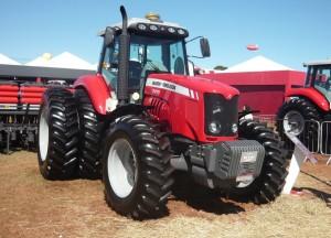 Tractor Massey Ferguson MF 7415