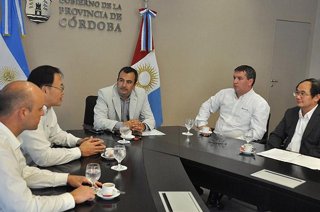 LiuGong reunion con funcionarios provinciales
