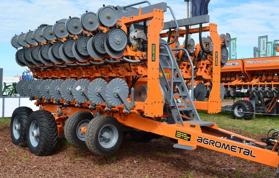 Donald Trump suspende importaciones de maquinaria agrícola desde Argentina