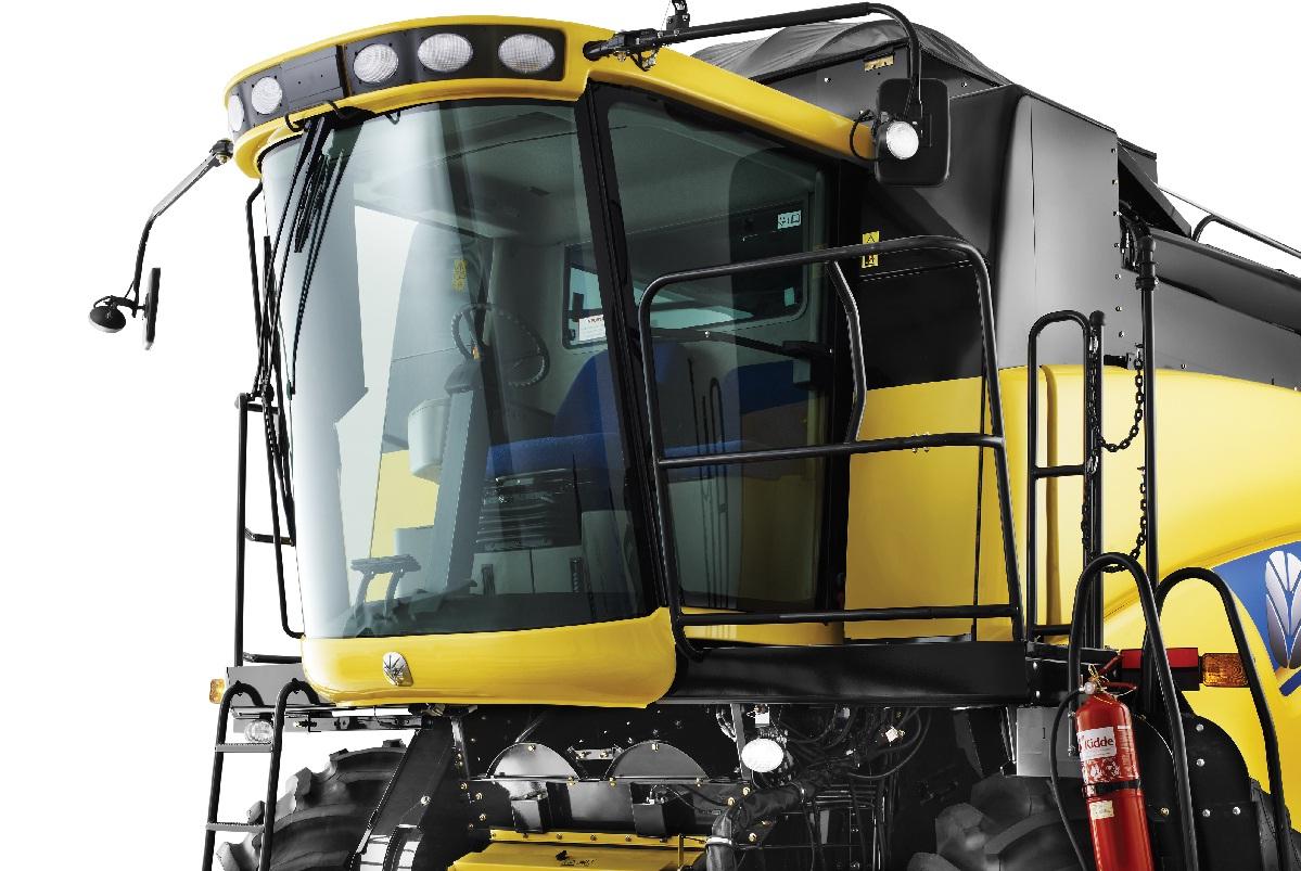 New Holland - Cosechadora CR5080 - Cabina