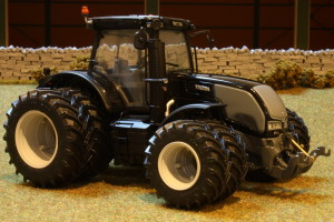 Tractor Valtra S353