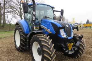 New Holland tractor serie T5-02