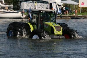 tractor-claas-axos-320-con-neumaticos-mitas-02