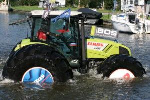 tractor-claas-axos-320-con-neumaticos-mitas-03