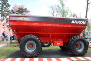 Akron presentó la tolva GranMax 4234
