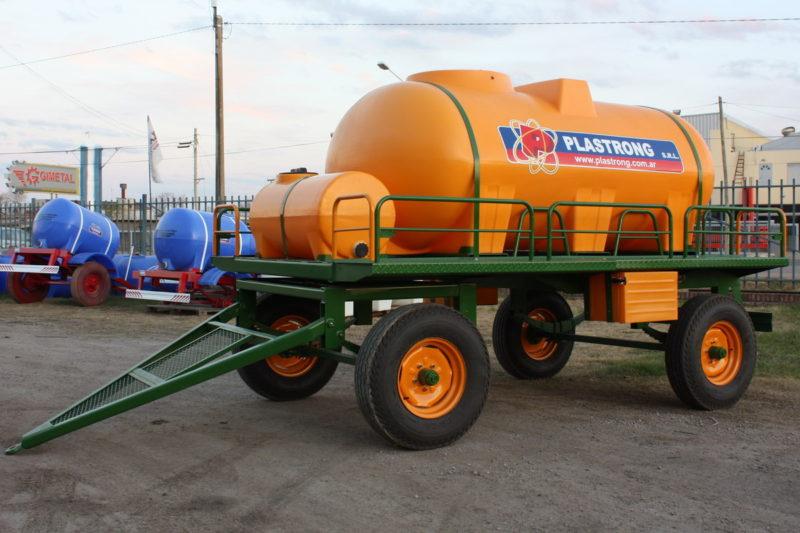 Acoplado tanque Plastrong